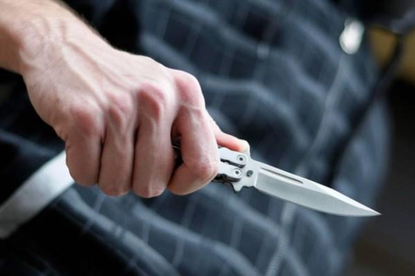 Σοκ στο Βύρωνα: Επίθεση με μαχαίρι σε 17χρονο!