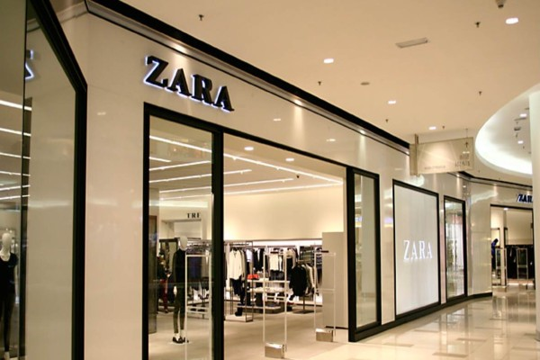 ZARA: Προλάβετε την απίστευτη προσφορά - Φόρεμα μόνο 9,99 ευρώ!