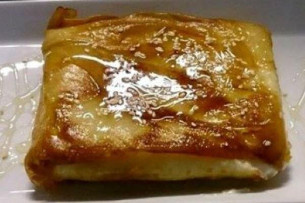 Φέτα σαγανάκι με μέλι