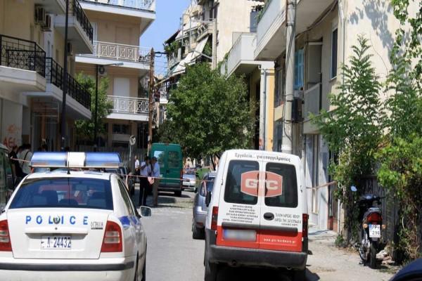 Θρίλερ στη Λάρισα: 78χρονη βρέθηκε νεκρή σε διάδρομο πολυκατοικίας