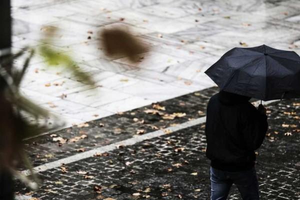 Καιρός: Βροχών… συνέχεια με νέα άνοδο της θερμοκρασίας