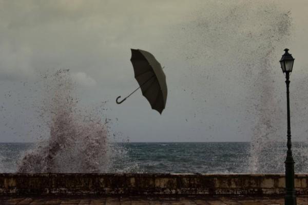 Έκτακτο δελτίο καιρού: Έρχεται το τρίτο κύμα της κακοκαιρίας - Που θα χτυπήσουν χιονοπτώσεις, ισχυρές βροχές και καταιγίδες