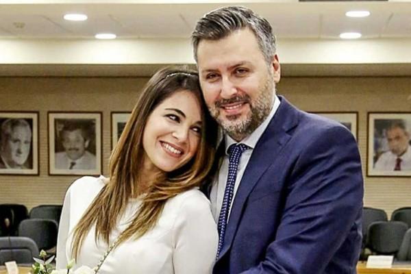 Σε πελάγη ευτυχίας Γιάννης Καλλιάνος-Χάρις Δαμιανού: Τρελά ερωτευμένοι στον πολιτικό τους γάμο