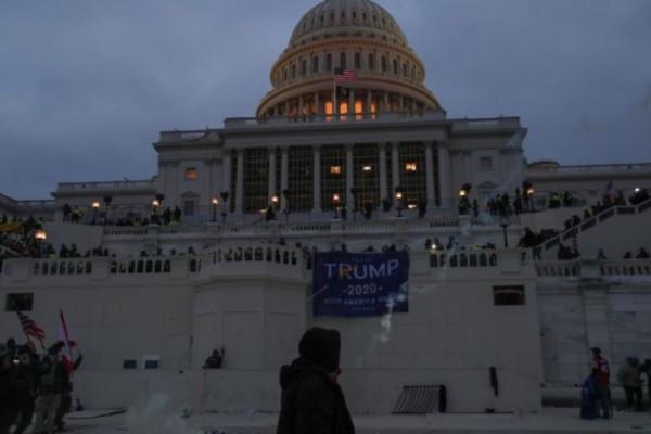 Εισβολή στο Καπιτώλιο: Ξεκίνησαν οι παραιτήσεις των συμβούλων του Τραμπ και στελεχών Ασφάλειας