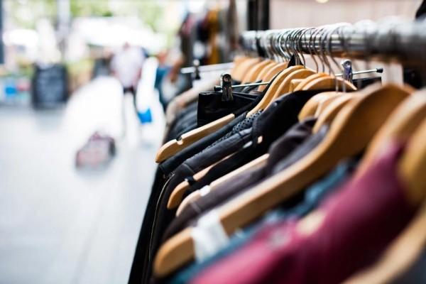 Ανοίγει σήμερα η αγορά - Πώς θα ψωνίζουν οι καταναλωτές