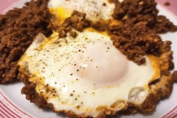 Κιμάς με αυγά: Μια πρωτότυπη συνταγή που θα σας ξετρελάνει