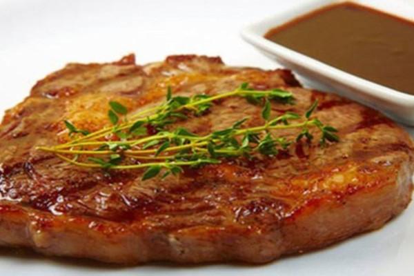 Αυτή η μαρινάδα θα χαρίσει απίστευτη γεύση στα ψητά σας κρέατα
