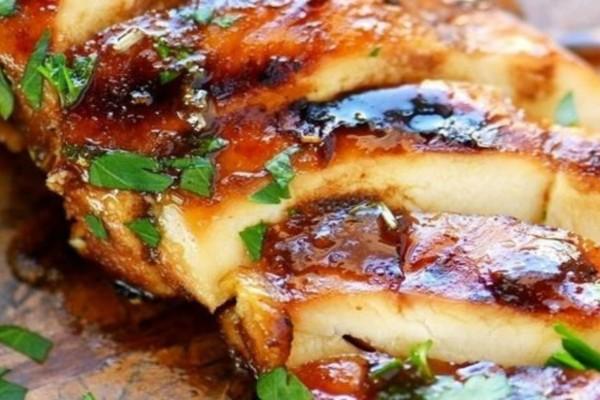 Μαρινάδα για ψητό κοτόπουλο: Η πιο γευστική συνταγή που έχετε δοκιμάσει