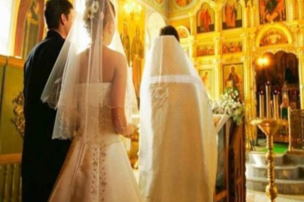 Απίστευτο περιστατικό στη Λάρισα: H νύφη άργησε 45 λεπτά και... ο παπάς μας άφησε άναυδους με αυτό που έκανε!