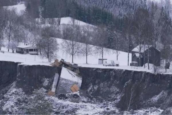 Κατολίσθηση στη Νορβηγία: Ανασύρθηκε ακόμη ένας νεκρός - Στους 8 οι αγνοούμενοι