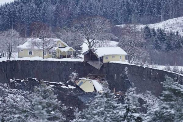 Κατολίσθηση στη Νορβηγία: Ανασύρθηκε ένας νεκρός - Αγνοούνται άλλα εννέα άτομα