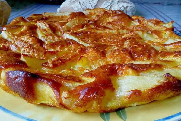 Ομελέτα φούρνου με πατάτες, κεφαλοτύρι και ρεγκάτο σκέτη κόλαση!