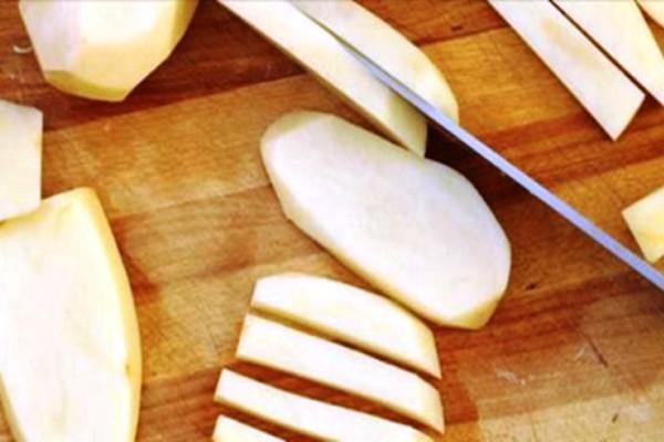 Τραγανές τηγανιτές πατάτες χωρίς μία σταγόνα λάδι!