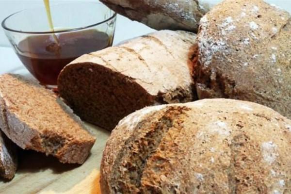 Το ψωμάκι μου! Πανεύκολο σπιτικό ψωμί ολικής άλεσης με σίκαλη - Το «μυστικό» με το ελαιόλαδο