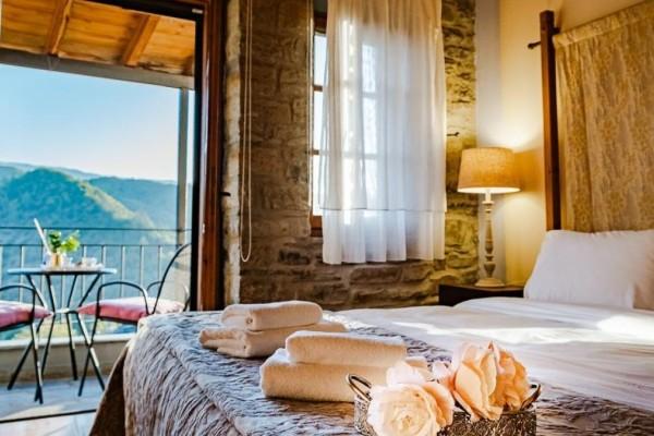 Ζαγόρι: Ανακαλύπτουμε 2 πέτρινους ξενώνες σε 2 από τα πιο όμορφα χωριά του με βαθμολογία στην booking μεγαλύτερη από 9,5!