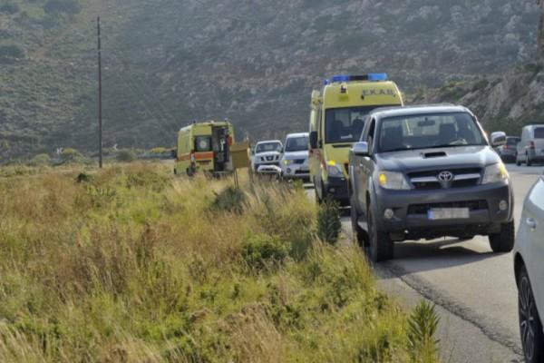 Κοζάνη: Ένας νεκρός και δέκα τραυματίες μετά από ανατροπή οχήματος που μετέφερε μετανάστες