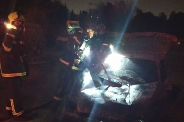 Εξερράγη βόμβα σε αυτοκίνητο Έλληνα δημοσιογράφου! (Video)
