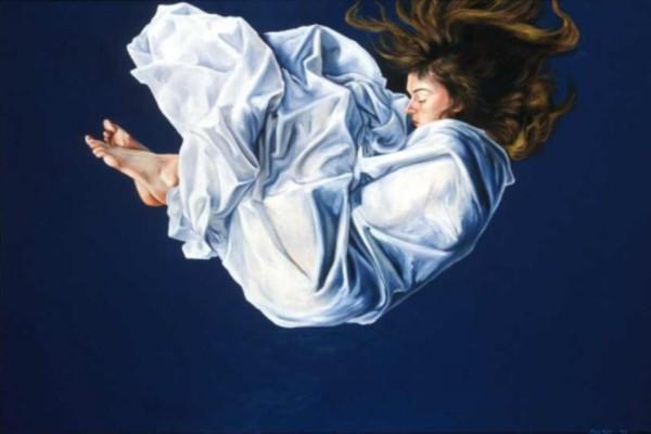 Ύπνος: Τι συμβαίνει όταν «πέφτουμε από ψηλά»; Δείτε γιατί τιναζόμαστε όταν κοιμόμαστε