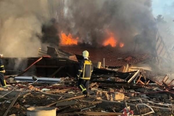 Καστοριά: Μυστήριο τυλίγει τα αίτια της έκρηξης που ισοπέδωσε ξενοδοχείο (Video)