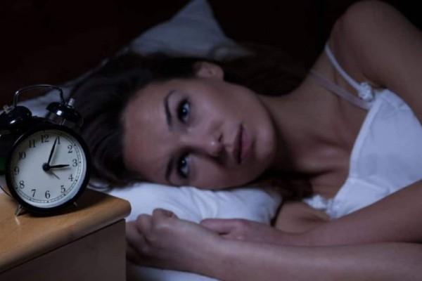 Δείτε τι προκαλεί η αϋπνία στο πρόσωπο και θα πάθετε σοκ (Video)