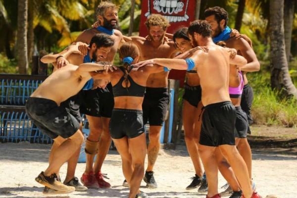 Survivor spoiler: Μπουνιές και κλωτσιές στην παραλία των μπλε - Πέταξαν εκτός ομάδας Αλέξη και Κρις - Δεν τους δίνουν φαγητό