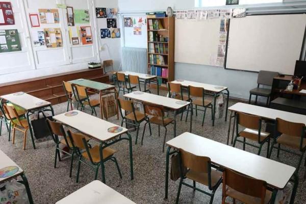 Συναγερμός στην Χαλκιδική: Έκκληση να κλείσουν τα σχολεία στην Κασσάνδρα λόγω κρουσμάτων
