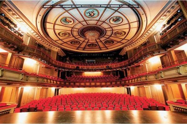 Σπουδαστές Εθνικού Θεάτρου για εκφοβισμό - κακοποίηση: «Έχουμε βιώσει αντίστοιχα περιστατικά, δεν μιλάμε λόγω φόβου»