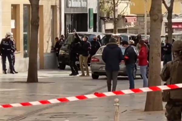 Φρίκη στη Γαλλία: Βρέθηκε κομμένο κεφάλι στην Τουλόν (photo-video)