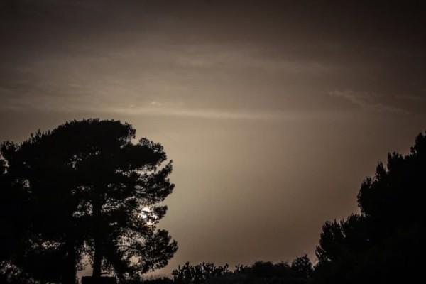Αίθριος ο καιρός σήμερα με νεφώσεις και αφρικανική σκόνη