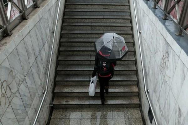 Καιρός σήμερα: Νεφώσεις και τοπικές βροχές - Πού θα είναι ισχυρά τα φαινόμενα;