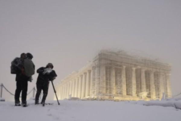 Κακοκαιρία Μήδεια: Δείτε την Ακρόπολη ντυμένη στα λευκά
