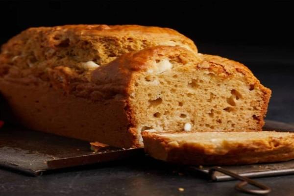 Αλμυρό κέικ με γιαούρτι και φέτα