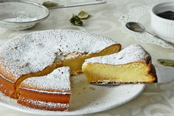 Δε θα το πιστεύετε: Φανταστικό κέικ με ζαχαρούχο και μόνο 4 υλικά!