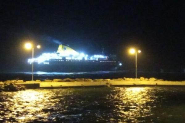 Πρόσκρουση του Νήσος Μύκονος στο λιμάνι του Αγίου Κηρύκου Ικαρίας