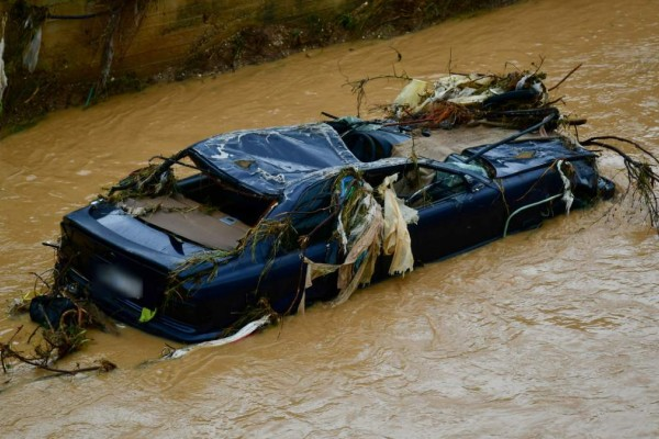 Οικογενειακή τραγωδία: Μητέρα αυτοκτόνησε με το αυτοκίνητο της στο ποτάμι - Πήρε μαζί και το παιδί της