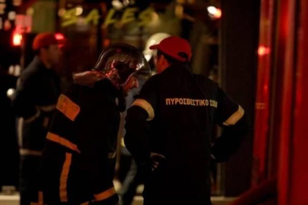 Θεσσαλονίκη: Φωτιά ξέσπασε σε κατάστημα - Ανασύρθηκε ένας άνδρας