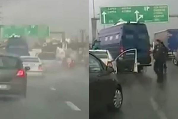 Σοκάρει το τροχαίο στο Κηφισό: Σύγκρουση οχημάτων με περιπολικό και κλούβα που είχε μέσα την Πόλα Ρούπα