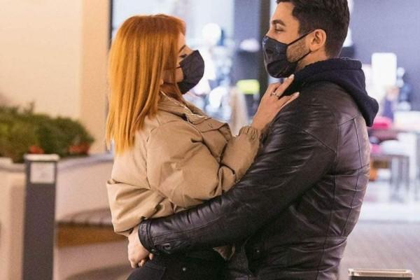 Κανένας χωρισμός: Παναγιώτης Βασιλάκος και Νικολέττα Τσομπανίδου περπατούν αγκαλιά και βάζουν τέλος στις φήμες