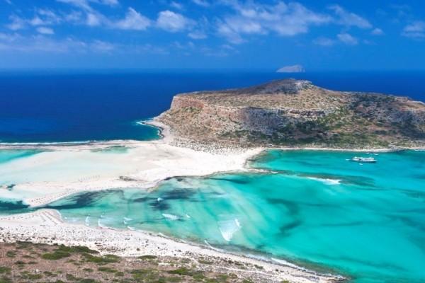 9+1 ελληνικές παραλίες που έχει αγαπήσει το Instagram!