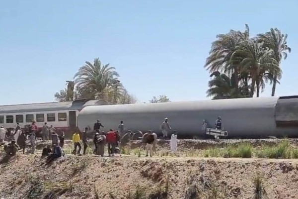 Τραγωδία στην Αίγυπτο: Σύγκρουση τρένων με 32 νεκρούς και δεκάδες τραυματίες