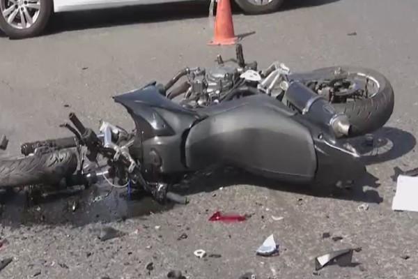 ΕΔΕ για το τροχαίο έξω από τη Βουλή: Κλινικά νεκρός ο 23χρονος - Παύτηκε από οδηγός υπηρεσίας ο αστυνομικός