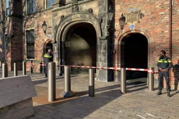 Συναγερμός στην Ολλανδία: Απειλή για βόμβα στη Χάγη (Video)