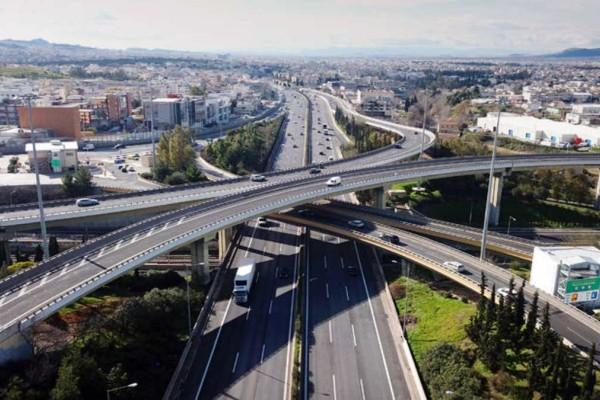 Μποτιλιάρισμα στην Αττική Οδό - Καθυστερήσεις στην έξοδο προς Λαμία