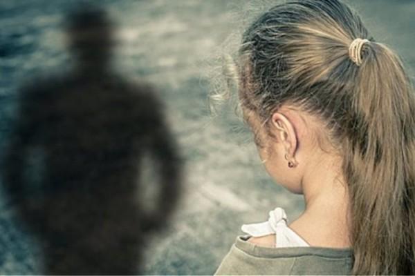 Σοκ στον Πύργο: Άνδρας κατηγορείται για απόπειρα σεξουαλικής παρενόχλησης σε βάρος 9χρονου κοριτσιού