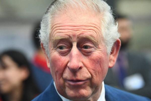 «Βράζει» με Χάρι ο Πρίγκιπας Κάρολος: Η αντίδραση σε ερώτηση που έδειξε την ενόχλησή του