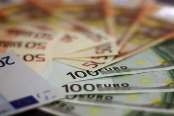 Συντάξεις-Επιδόματα: Ξεκινά «μπαράζ» πληρωμών - Ποιοι και πότε θα πληρωθούν