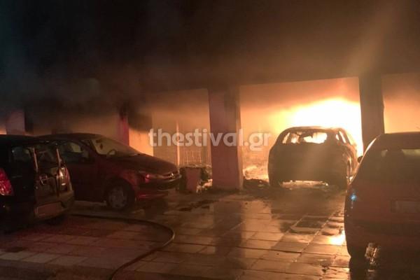 Θεσσαλονίκη: Εμπρηστική επίθεση σε πολυκατοικία - Από θαύμα δεν υπήρξαν θύματα