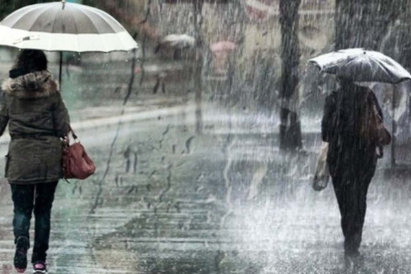 Καιρός σήμερα: Καθαρά Δευτέρα με ραγδαία επιδείνωση και καταιγίδες