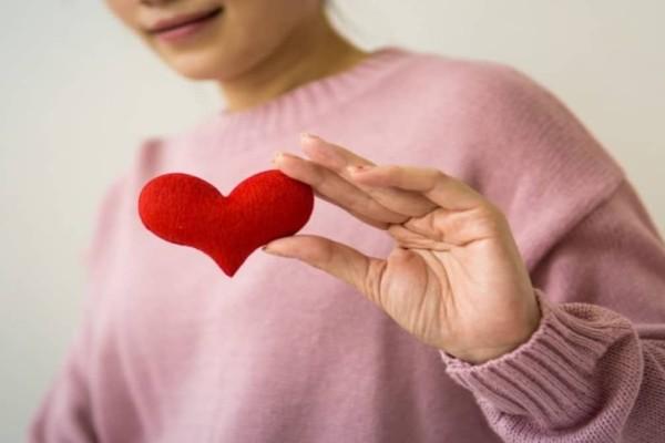 Πέντε συνήθειες που βλάπτουν σοβαρά την καρδιά σου χωρίς να το ξέρεις