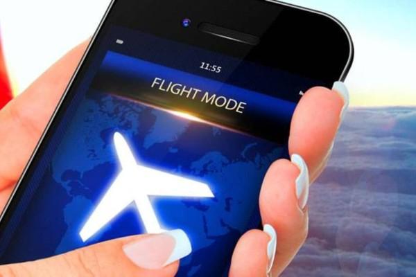 Απίστευτο: Αυτό θα συμβεί αν δεν κλείσουμε το κινητό μας ενώ πετάμε με αεροπλάνο (Video)